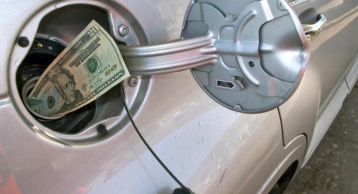 Эксперты: до февраля бензин дорожать не должен