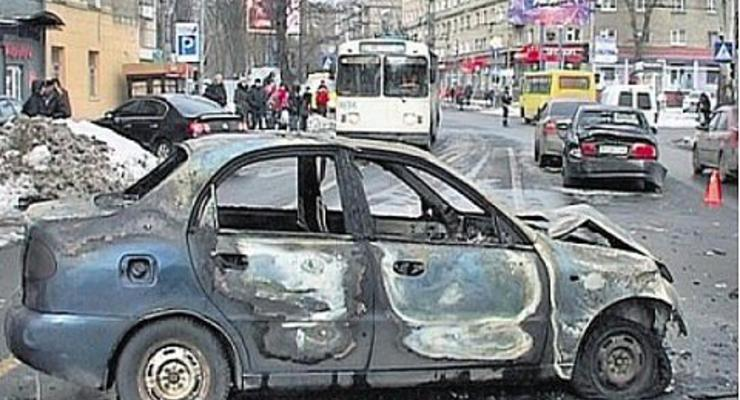 В Донецке Lanos разбил три машины и загорелся