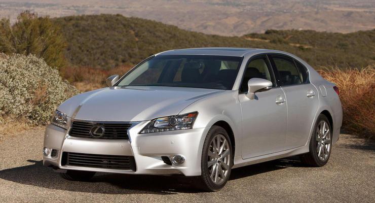 Lexus обновит седан GS