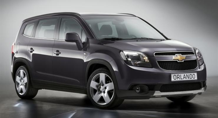 Chevrolet показал серийный Orlando до премьеры
