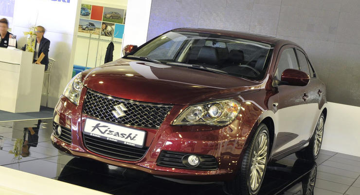 Московский автосалон: Suzuki Kizashi – средний седан для среднего класса