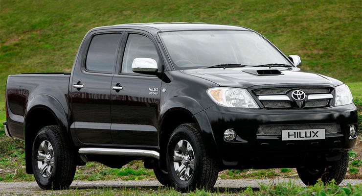 Toyota отзывает 116 тысяч пикапов Hilux