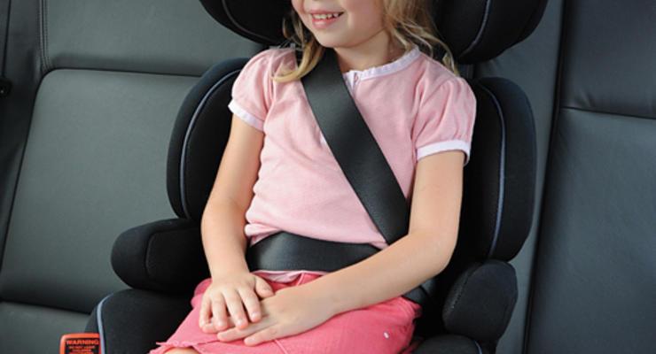 Названы самые безопасные детские кресла