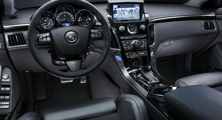 GM отзывает автомобили Cadillac, чтобы заменить бардачки