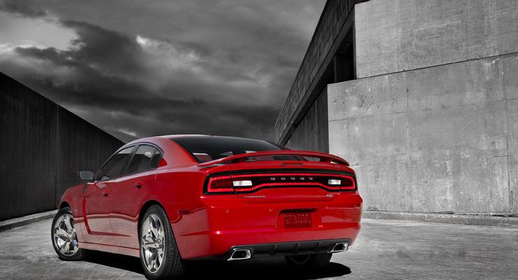 Обновленный Dodge Charger сверкает светодиодами