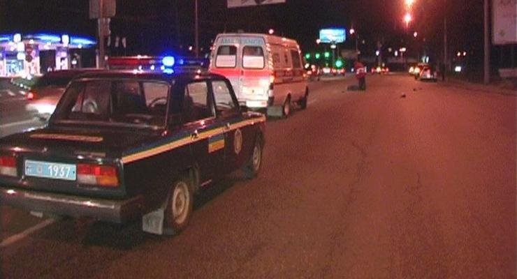 В Киеве машина задавила пешехода, перебегавшего дорогу