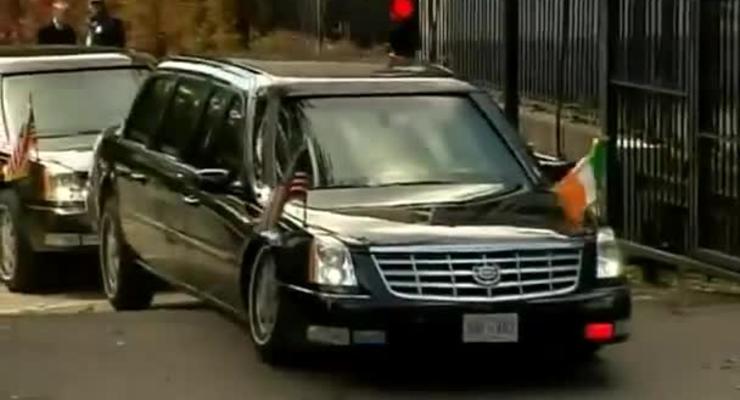 Лимузин Обамы лег на пузо на въезде в посольство