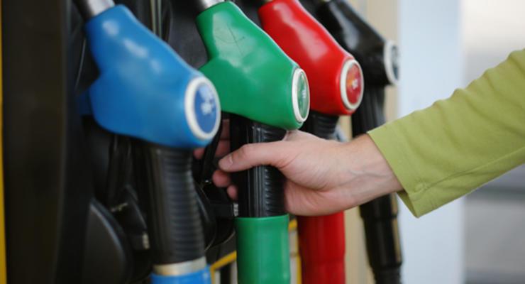 Кабмин впервые снизил рекомендуемые цены на бензин