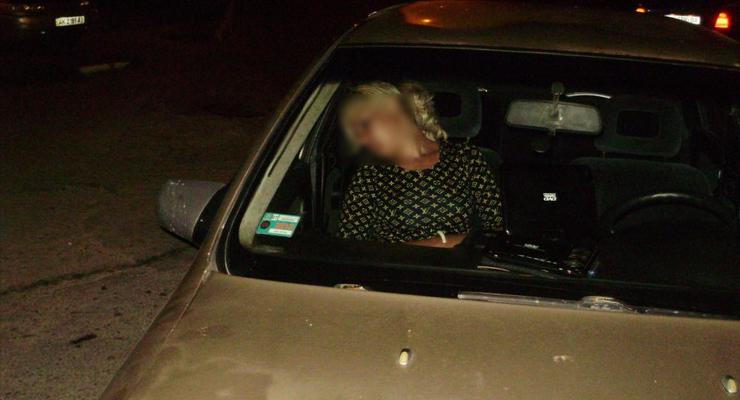 Пьяная блондинка угнала такси и врезалась в BMW
