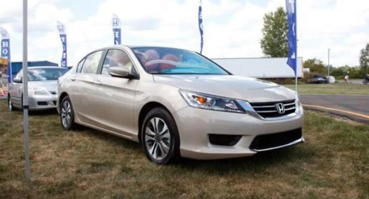 Новый Honda Accord впервые показали в движении