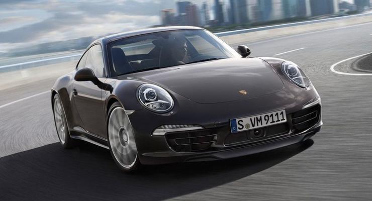 Представлен новый Porsche 911 с полным приводом
