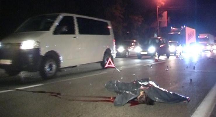 На пешеходном переходе в Киеве задавили девушку