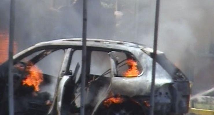 На СТО по вине слесаря дотла сгорел Porsche Cayenne