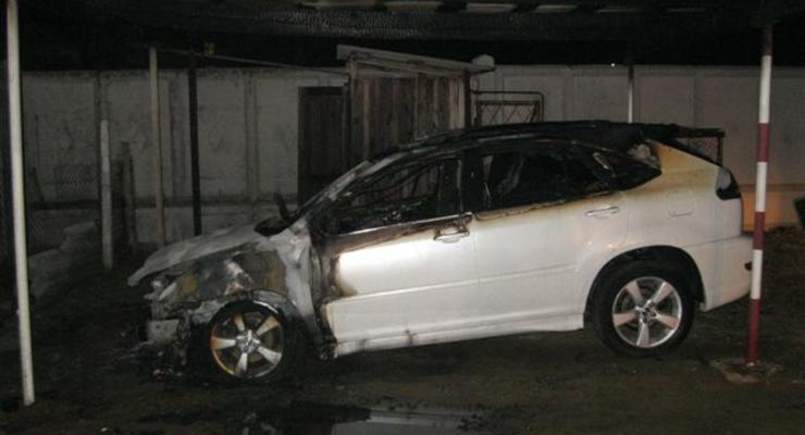 Депутату-оппозиционеру уже во второй раз сожгли Lexus