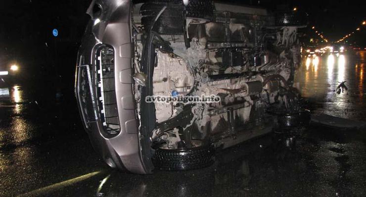 Киевлянка перевернула свой люксовый кроссовер Acura