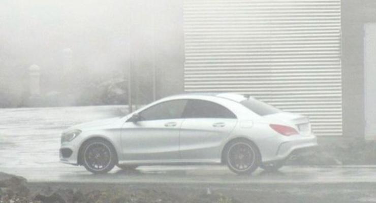 Самый дешевый седан Mercedes засняли без камуфляжа