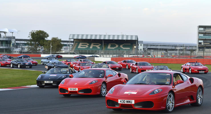 Прошел рекордный «слет» Ferrari – 964 суперкара