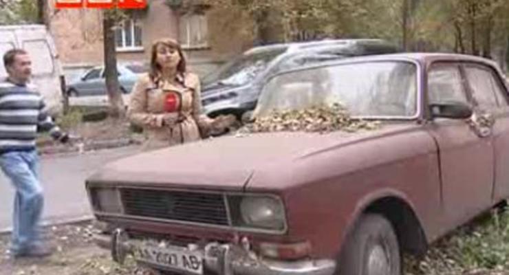 Брошенные авто возле домов перевезут на штрафстоянки