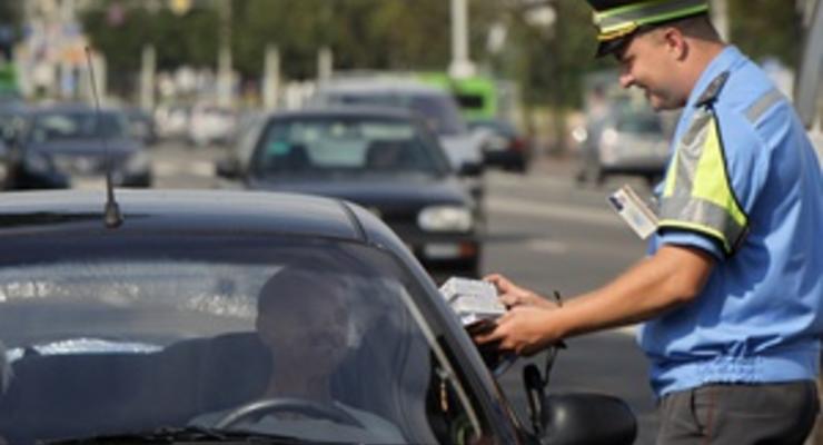 Гаишники научились брать деньги с кредиток водителей