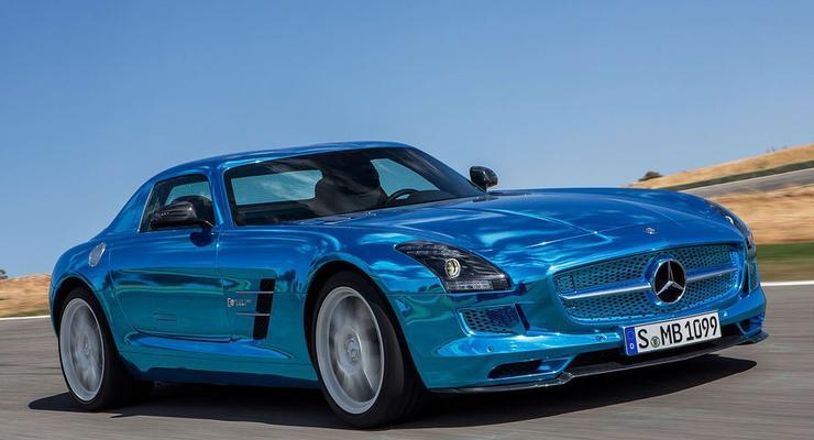 Новый серийный Mercedes получил по мотору на колесо