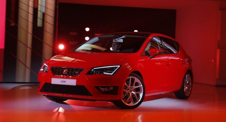 Новый SEAT Leon засверкал светодиодами на премьере