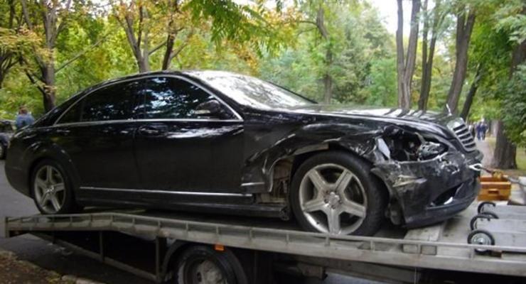 Студент на Mercedes с номерами 7777 разбил Maserati