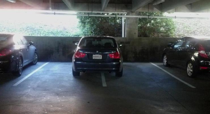 Like a Boss: учитесь, как нужно парковать свой BMW
