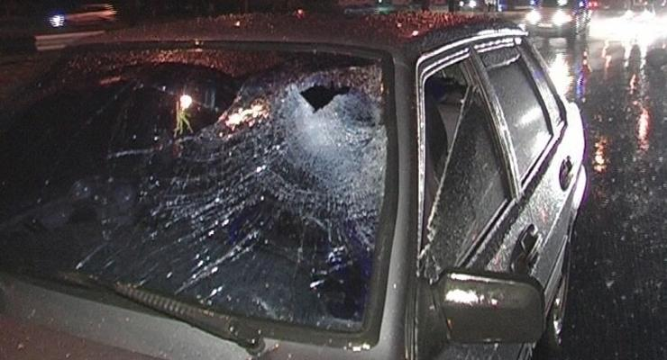 В Киеве сбили пешехода, который перебегал шестиполосную дорогу (ФОТО)