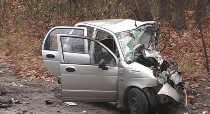 Под Киевом Opel уничтожил Matiz и погубил двух людей