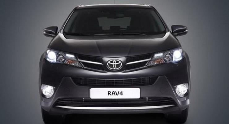 Фото нового Toyota RAV4 попали в сеть до премьеры
