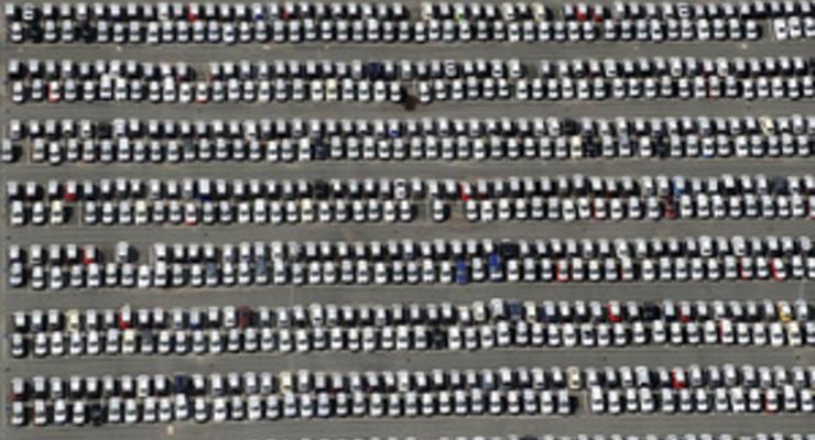"""Палки в колеса: власти ужесточили порядок ввоза товаров, необходимых для """"отверточной"""" сборки авто"""