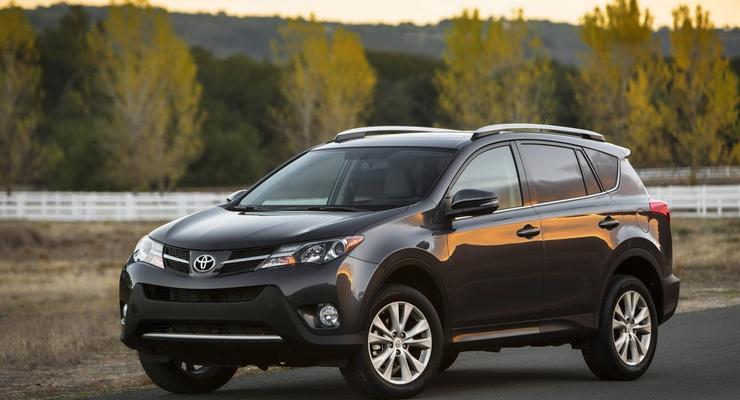 Новое поколение Toyota RAV4 выставили на обозрение