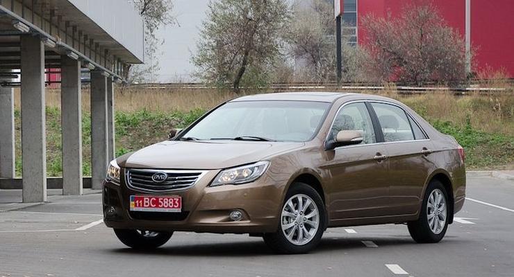 В Украину привезли новый китайский бизнес-седан