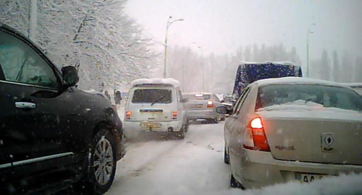 Пробки: Киев замер в 1000-километровой тянучке