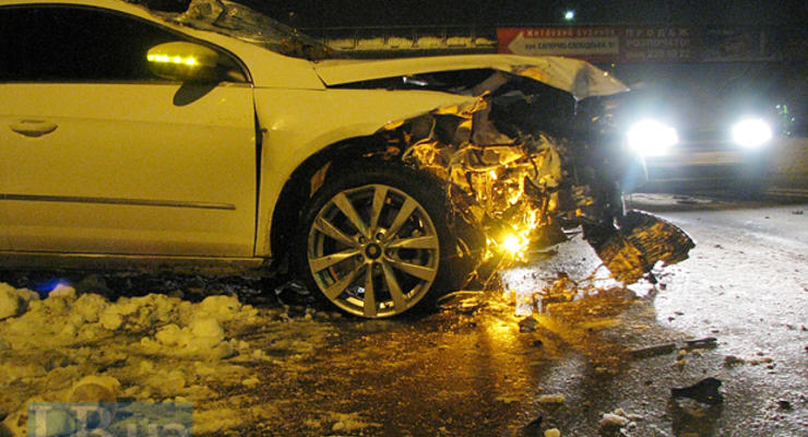В Киеве водитель разбил две машины и лицо гаишника