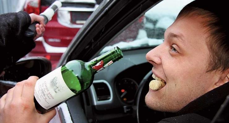 Штрафы за пьяное вождение хотят поднять до 6000 грн