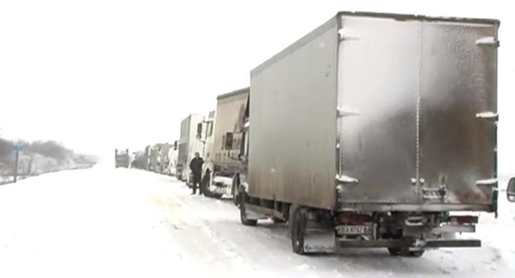 Пока чистили Киев-Чоп, одесская трасса стала катком