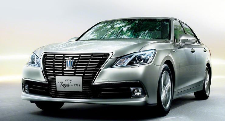 «Королевские» седаны Toyota перешли в 14 поколение