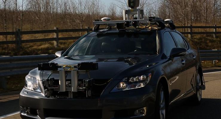 Toyota разработала автопилот и показала его в действии