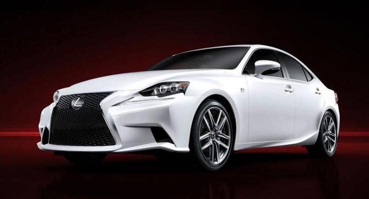 Первые фотографии Lexus IS следующего поколения