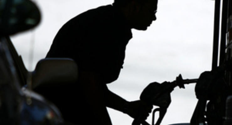 Цены на бензин в Украине незначительно снизились