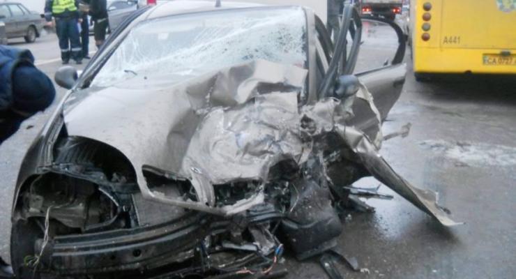 На Харьковском шоссе столкнулись пять автомобилей