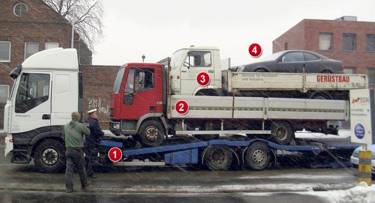 Правильная доставка Mercedes: сразу на трех грузовиках