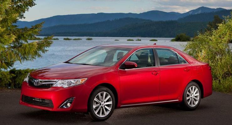 Toyota решила обновить Camry из-за критики клиентов