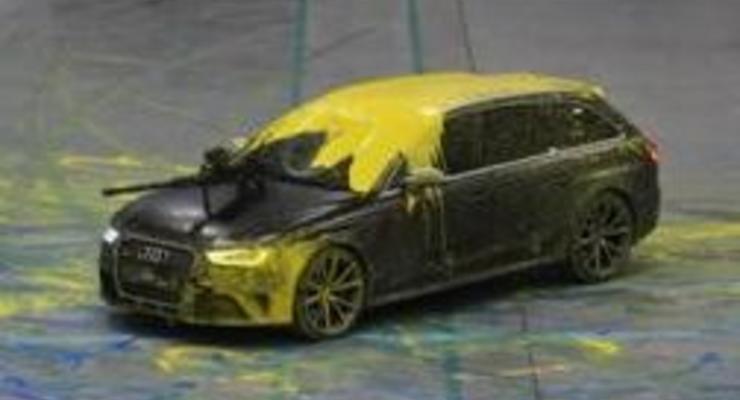 Audi сыграла в пейнтбол на спортивных универсалах