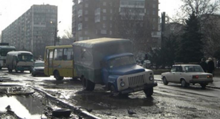 В Киеве отремонтировали меньше половины опасных дорог