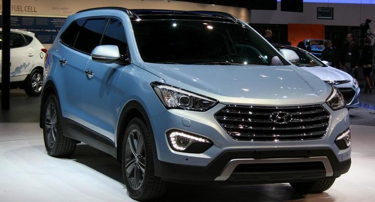 Hyundai Grand Santa Fe показал себя широкой публике