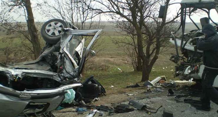 В гонке кроссоверов погиб человек, еще 15 пострадали