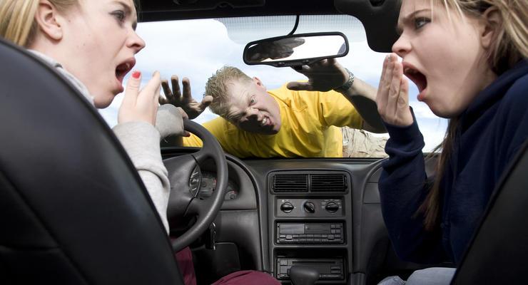 ГАИ назвала десять главных причин женских аварий