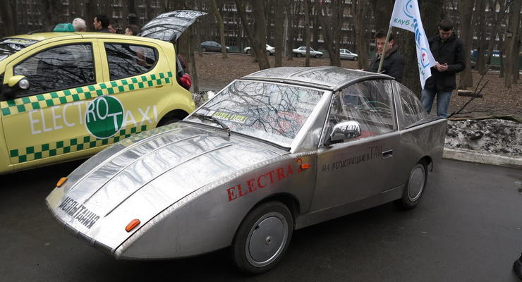 Украинцы сделали электромобиль из нержавейки